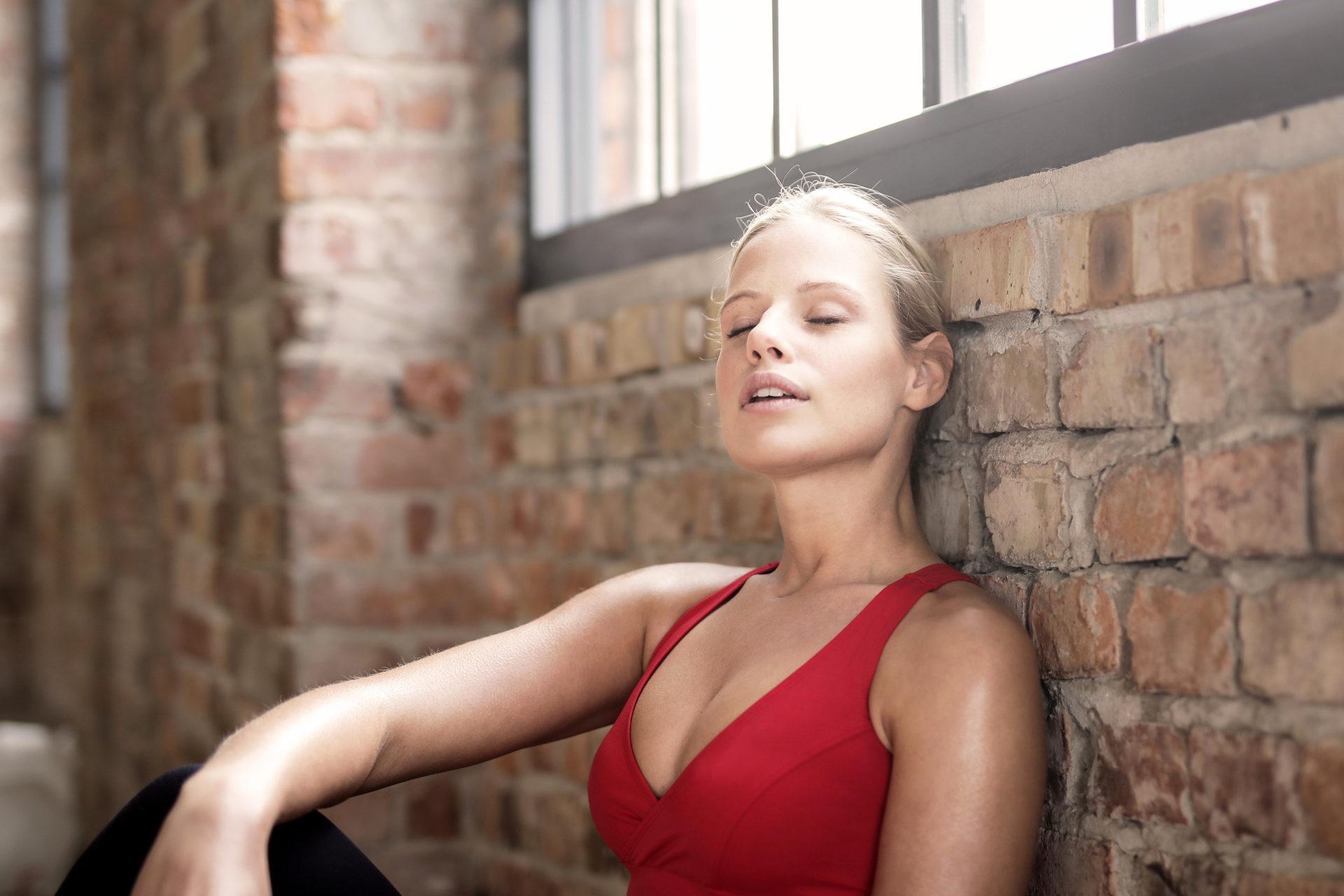 Hand Massagepistole Massage Gun Elektrisch Vibrationsmassagegeraet Percussion Muskel Stimulation Therapie Physio